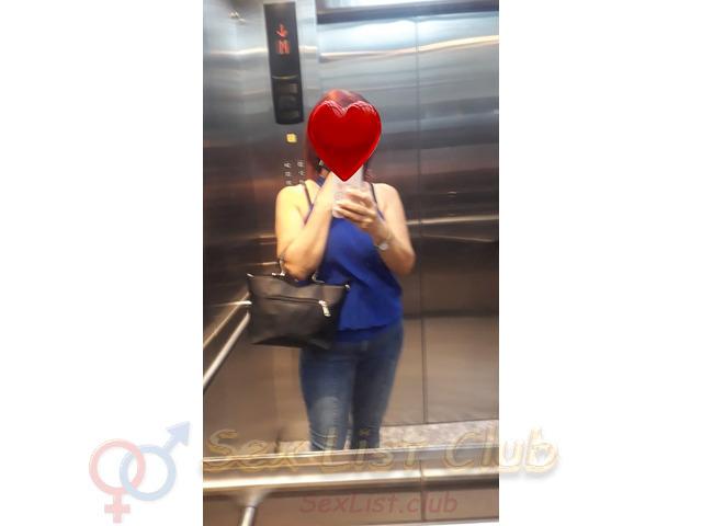 Hola amor me llamo Yinet y soy una escort colombiana madura