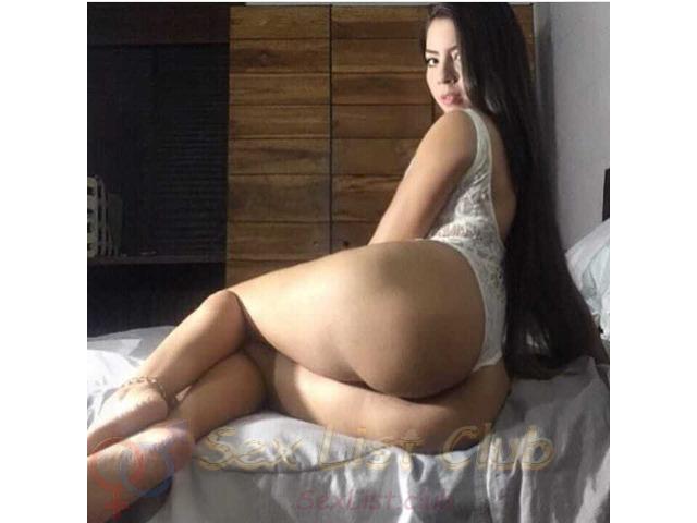 Dulce Angie Bella Colombiana de Cola y Pechos Hermosos
